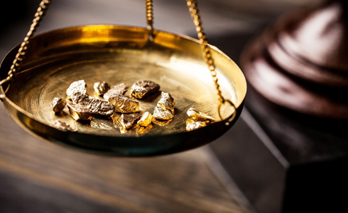 وزن کزدن طلا در طلا فروشی
